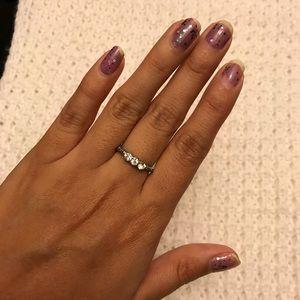 Jewelry - 3 Stone Ring
